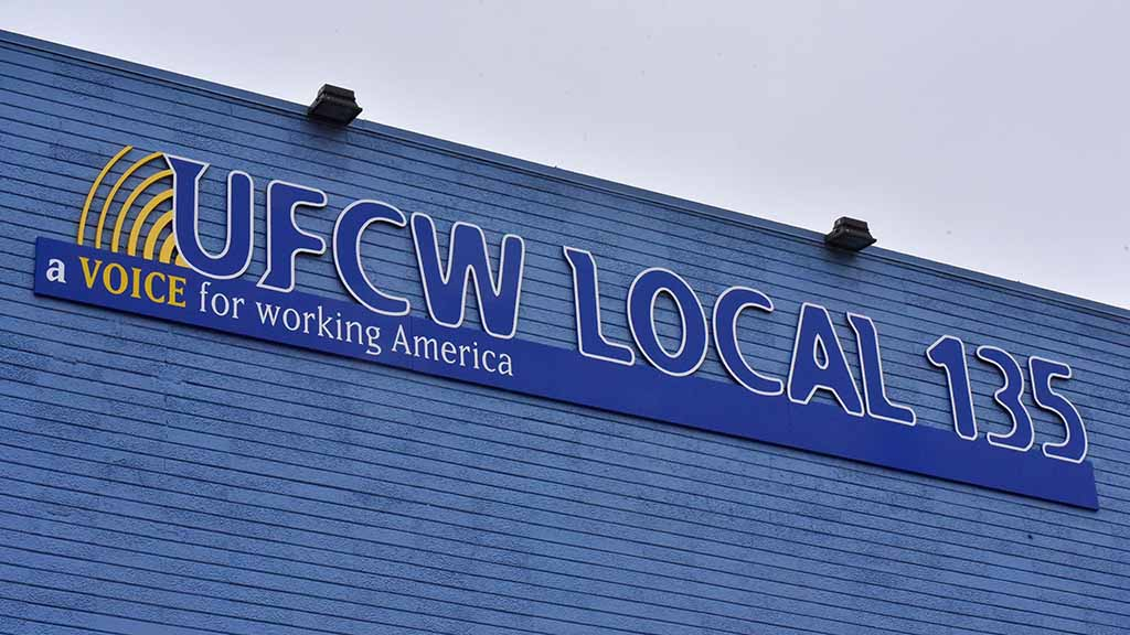Grocery Workers to Vote on Potential Strike Against 3 Major