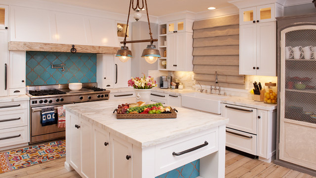 Weekend Design Remodeled Rancho Santa Fe Kitchen Makes Entertaining