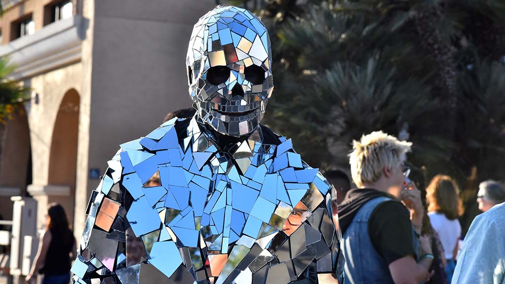 George of Zen Art wears a suit of shards of glass at KAABOO Del Mar.