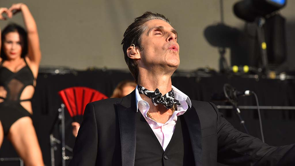 Perry Ferrell, lead singer of Jane's Addiction, sings at KAABOO Del Mar.