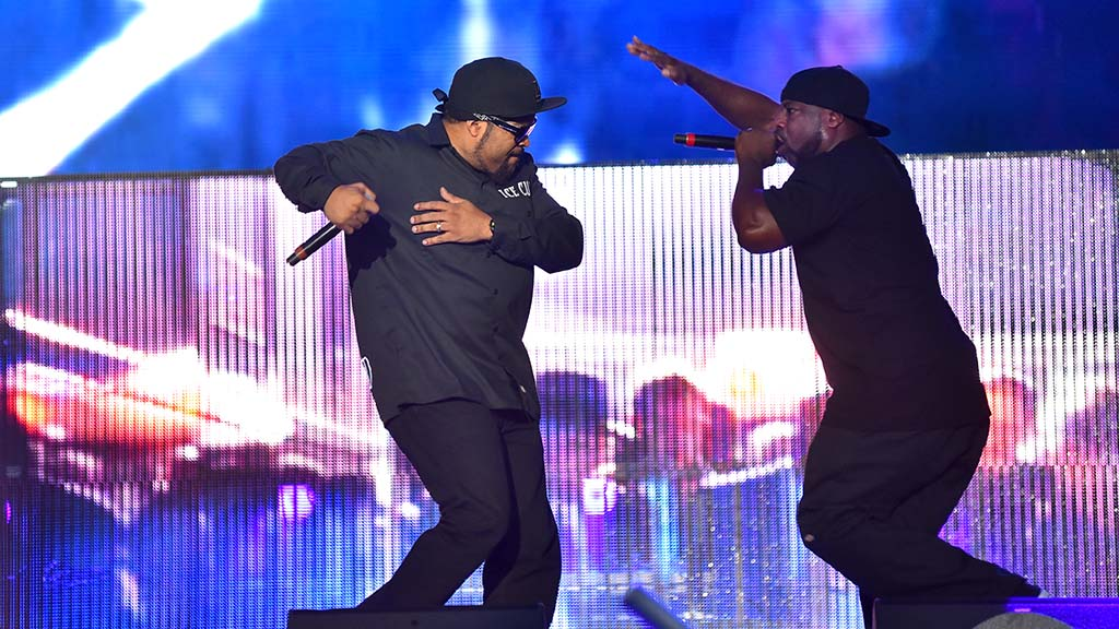 Ice Cube (left)vand his backup singer performs at KAABOO Del Mar.