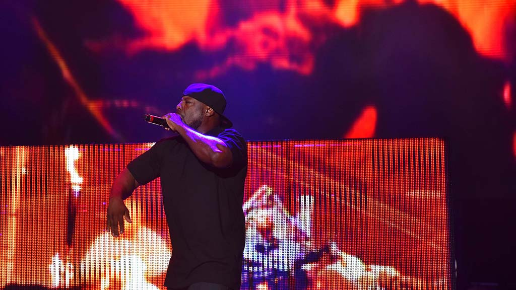 A backup singer for Ice Cube performs at KAABOO Del Mar.