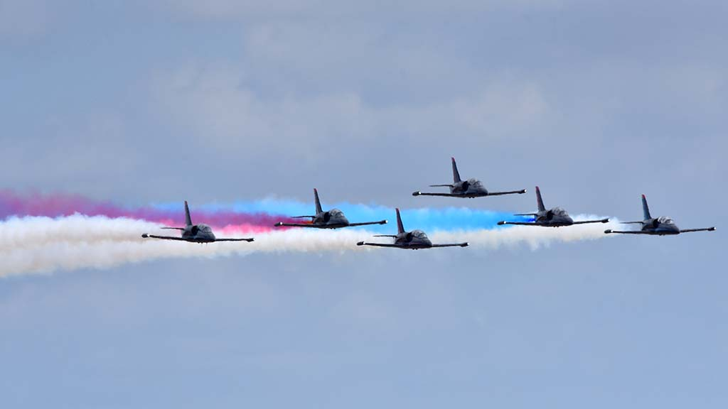 The Patriot Jet Team performs at the 2017 Miramar Air Show.