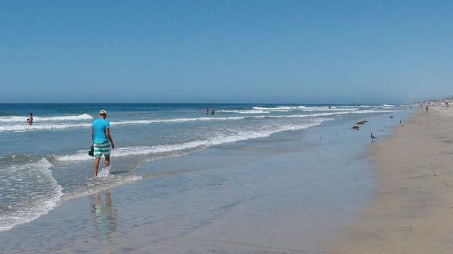 Carlsbad untuk Larangan Parkir di Sepanjang Enam Mil dari garis Pantai