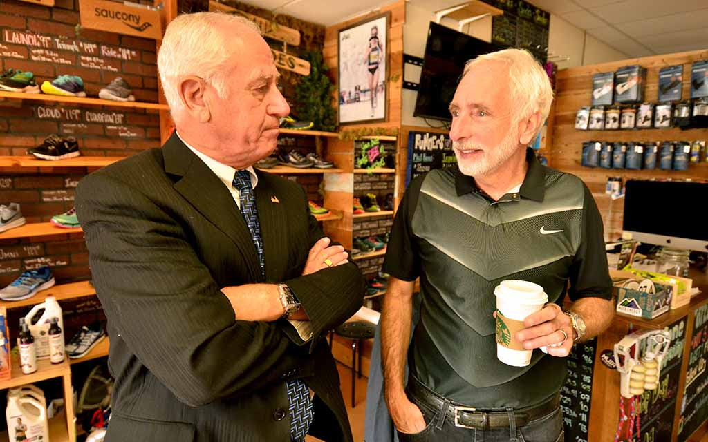 USATF President Vin Lananna visits with Craig Poole before San Diego meeting.