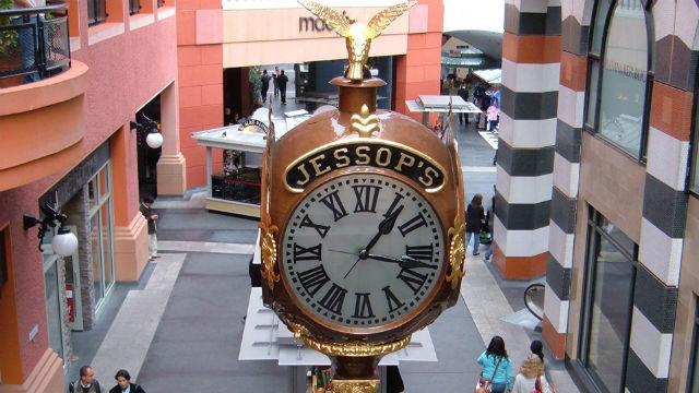 Jessop's clock in Horton Plaza