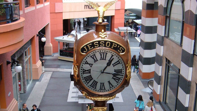 Jessop's clock in Horton Plaza