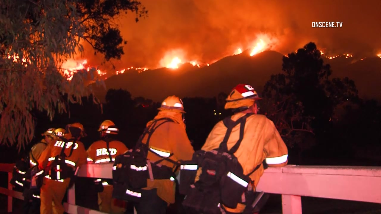 Firefighter dies battling California blaze