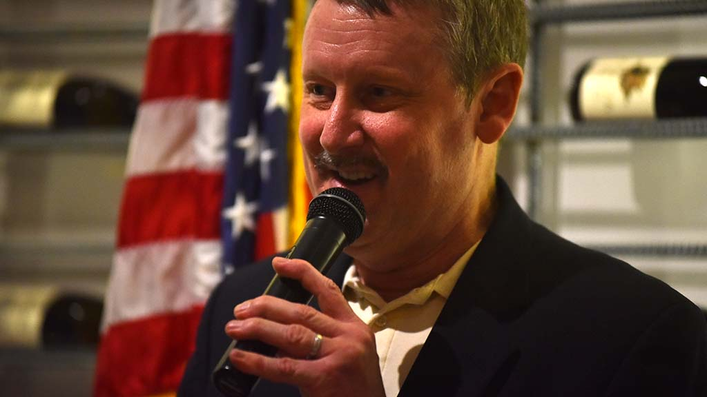 """Congressional candidate John Horst told the GOP women's club he would be their """"fullback."""""""