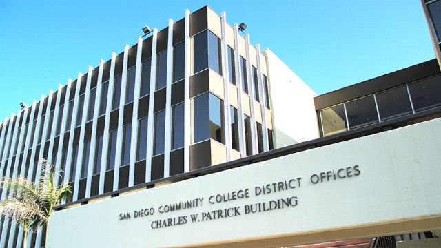 San Diego Community Colleges-Plan für Online-Kurse Durch den Sommer