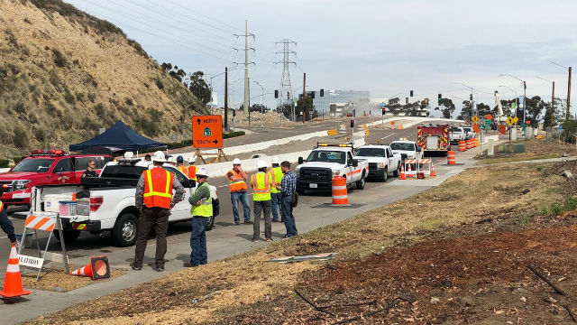 SDG&E crews at gas leak