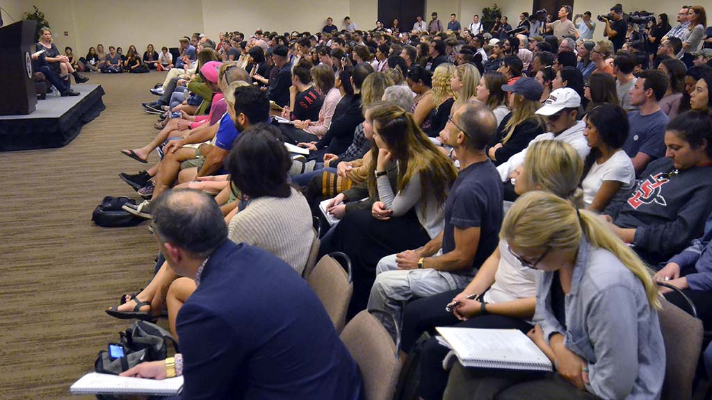Hundreds of people attended a question and answer session with Chelsea Manning.