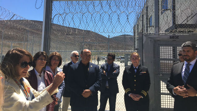 Congressional Democrats tour detention center