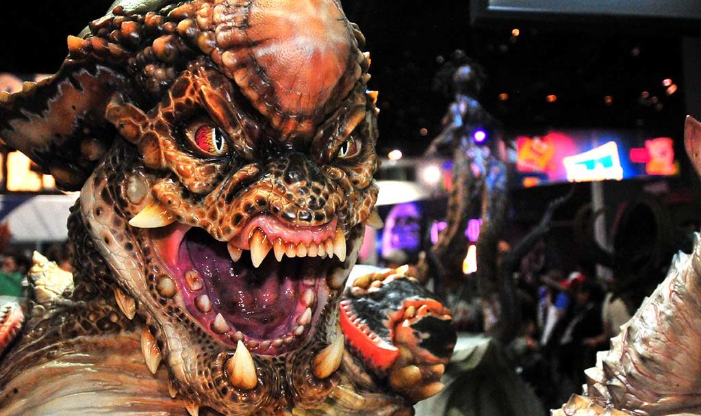 Lisker Zoanoid from the movie Guyver is displayed at ECC Elite Creature Features in the exhibit hall.