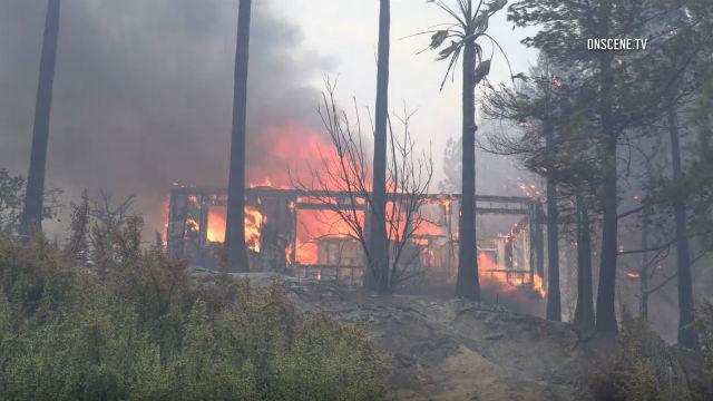 Home burns in Alpine