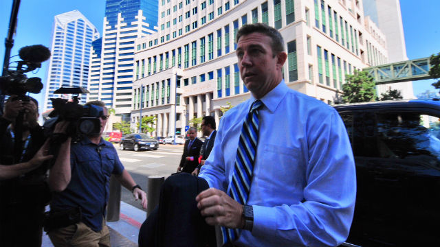 Duncan Hunter arrives at courthouse