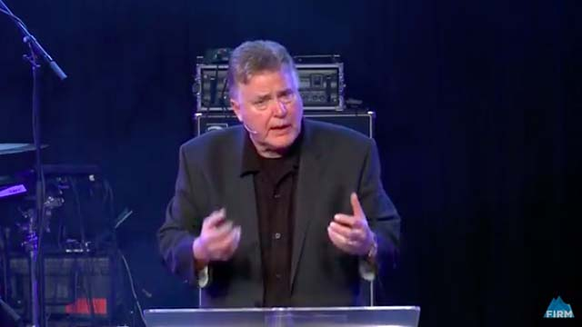 Ο τζιμ Garlow, Πρώην Ορίζοντα Ηγέτη της Εκκλησίας, Σχίζει