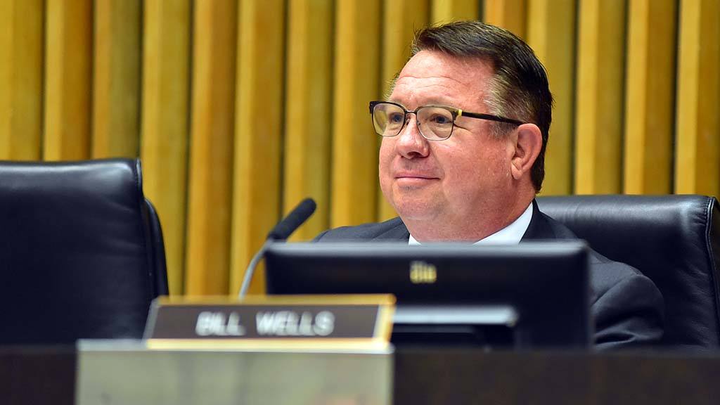 El Cajon mayor and LAFCO member Bill Wells listened to Julian-Cuyamaca Fire Protection District debate.