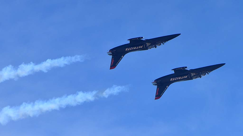 The Patriots L-39 Jt Team performed at the 2018 Miramar Air Show.