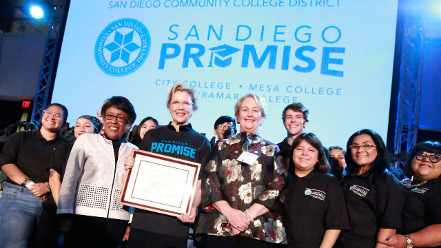 Annette Bening helps raise funds for the San Diego Promise