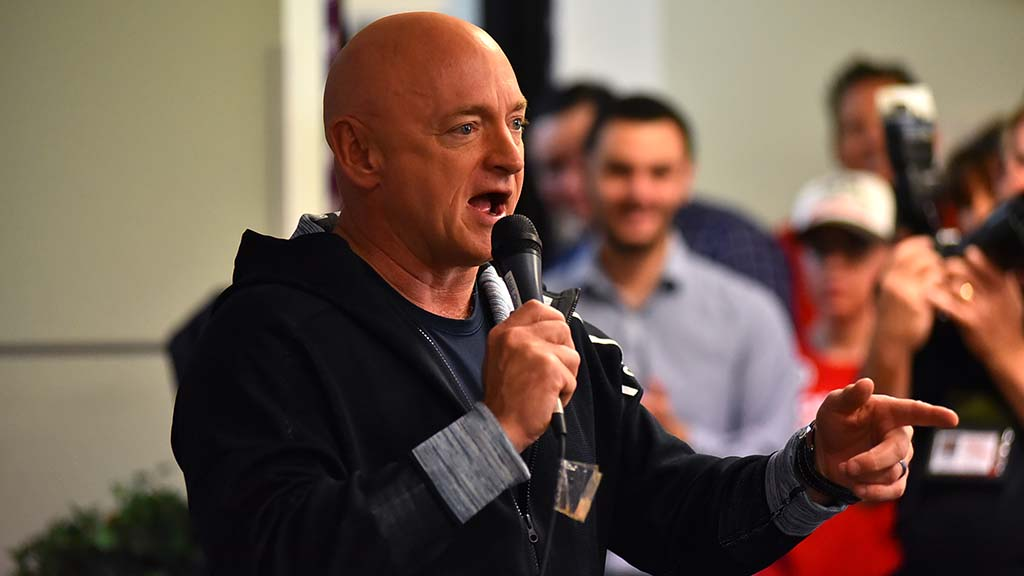 Retired astronaut Capt. Mark Kelly speaks to supporters at Solano Beach headquarters of Mike Levin.