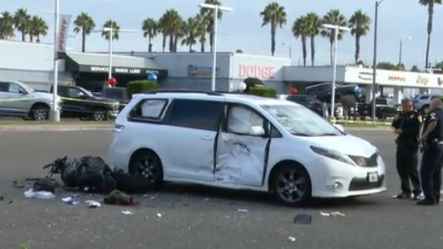 Mile Of Cars >> Motorcyclist 21 Dies After Minivan Crash On Mile Of Cars