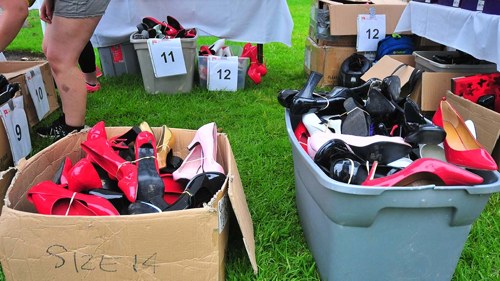 Shoes size up to 17 in women's (15 in men's size) were available for the men to use in the walk.
