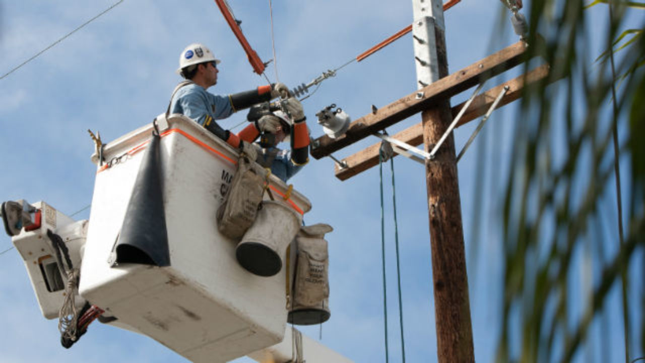 695 SDG&E Customers Without Power Amid Wildfire Risk - Times of San Diego
