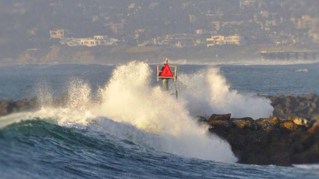 High surf off San Diego