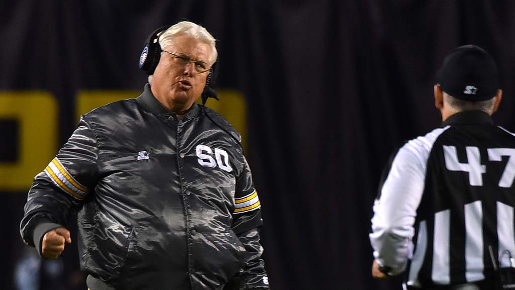 San Diego Fleet head coach Mike Martz looks to a referee for a change in call for a Commander touchdown.