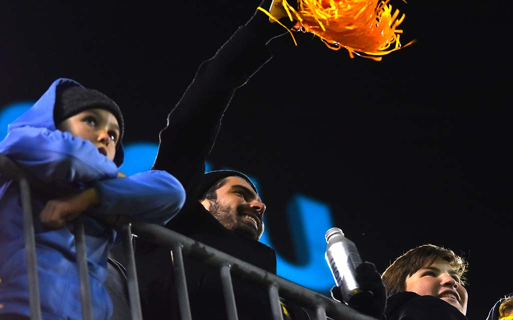 San Diego Fleet fans cheer after a successful field goal.