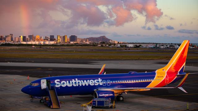 Southwest Airlines 737-800 in Honolulu