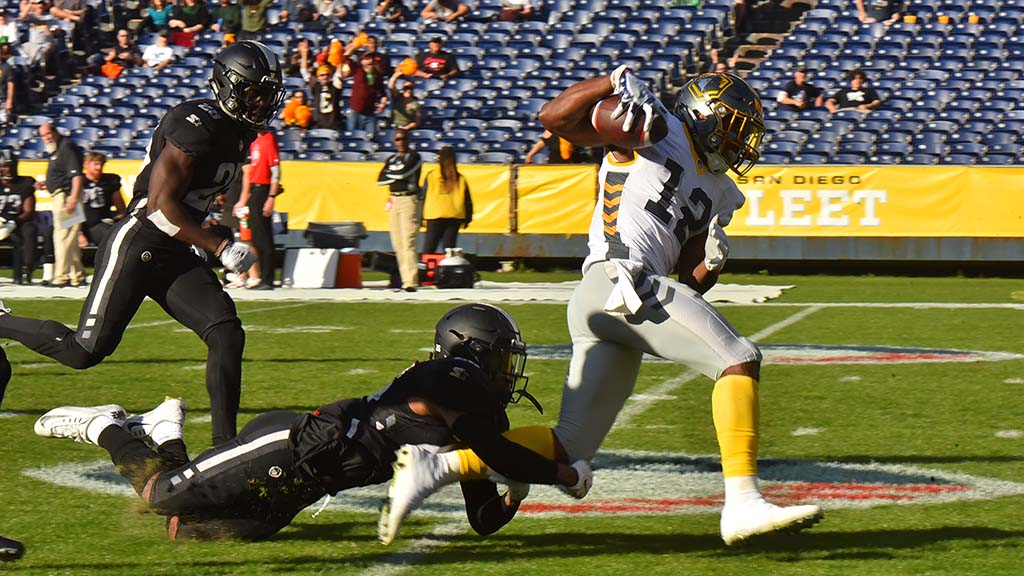 The Fleet's Dontez Ford is dragged down after long gain in the first quarter.