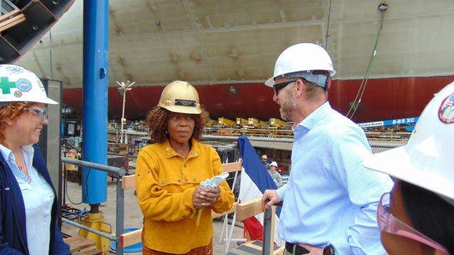Alfre Woodard speaks to NASSCO employees