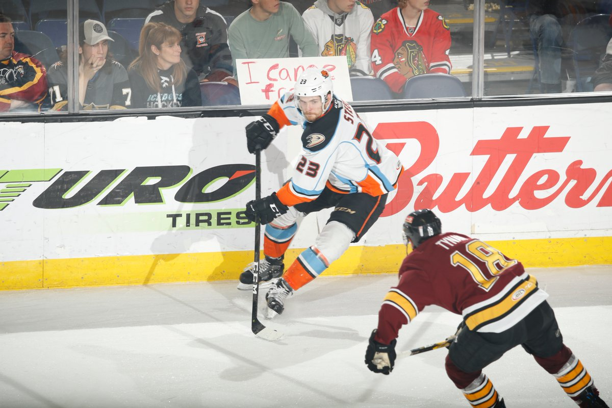 San Diego Gulls Fall To Chicago Wolves 5 4 In Ot Down 1 0 In