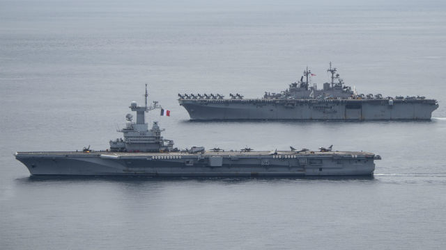 The FS Charles de Gaulle with the USS Boxer