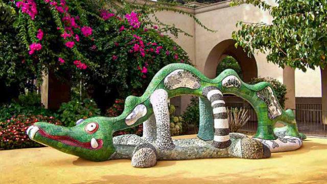"""Nikigator"" outside the Mingei International Museum in Balboa Park"