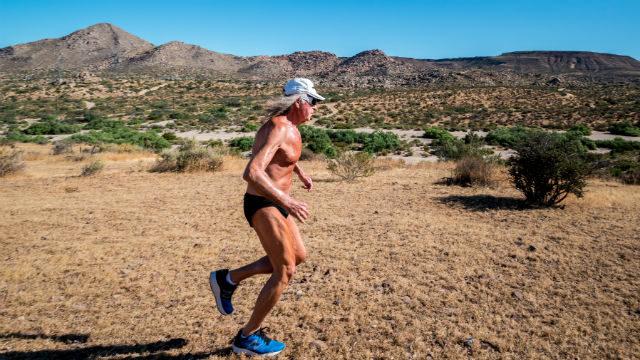 Daniel Smiechowski running in the desert