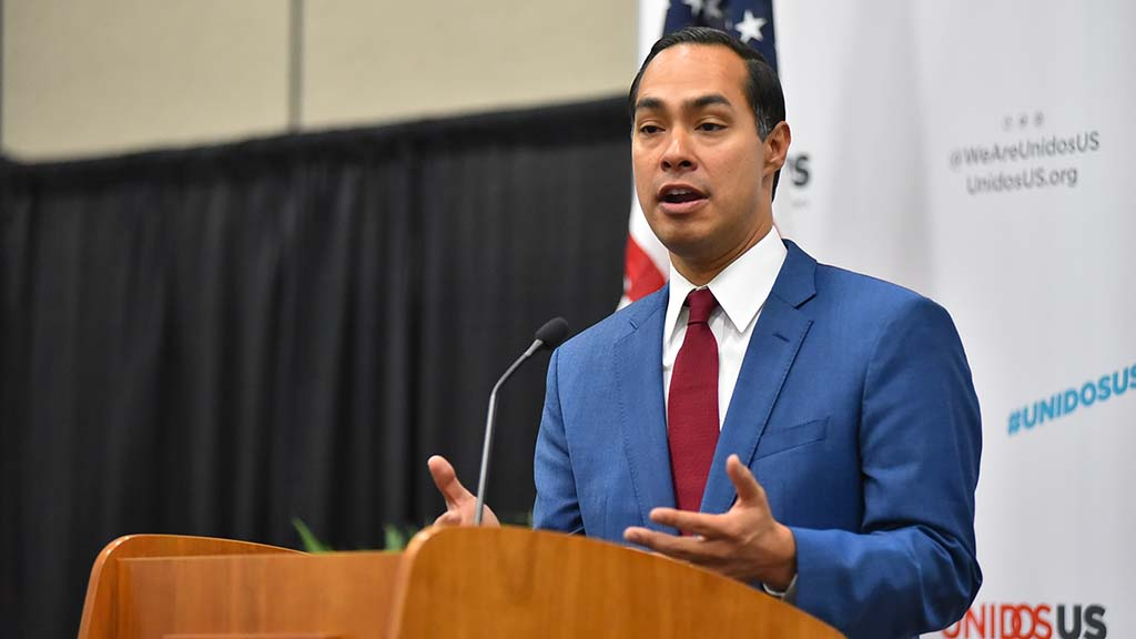 Presidential candidate Julian Castro spoke to the media about issues ranging from immigration to recent mass shootings to healthcare. Photo by Chris Stone