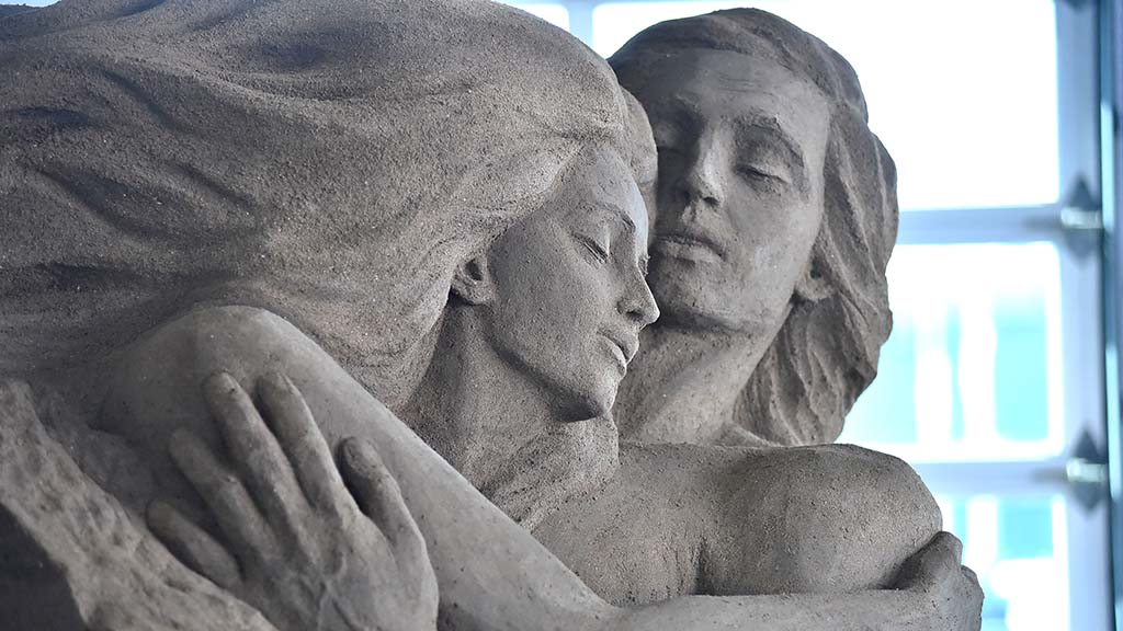 "Pavel Mylnikov o Moscow, Russia created ""With Love Through Life,"" at the sand sculpting challenge in San Diego. Photo by Chris Stone"