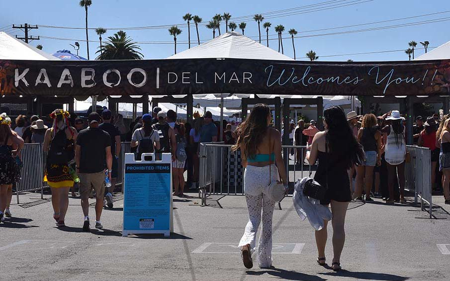 Fans flow into the sold-out KAABOO Del Mar.