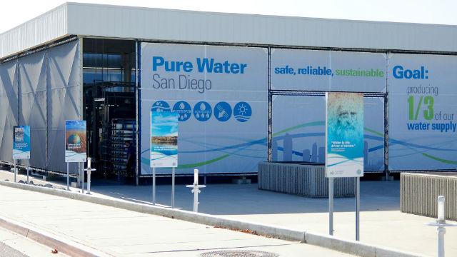 Gouverneur unterzeichnet Zwei Rechnungen von Entscheidender Bedeutung für San Diego Transit und Wasser-Pläne
