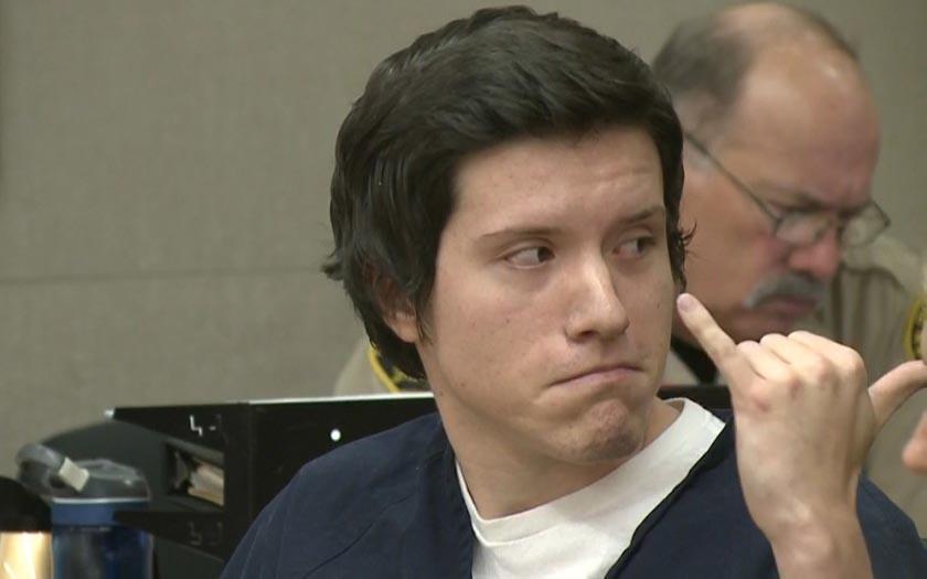 Angeklagt Poway Synagoge Shooter Bestellt, um sich vor Gericht für Hass-Verbrechen Mord
