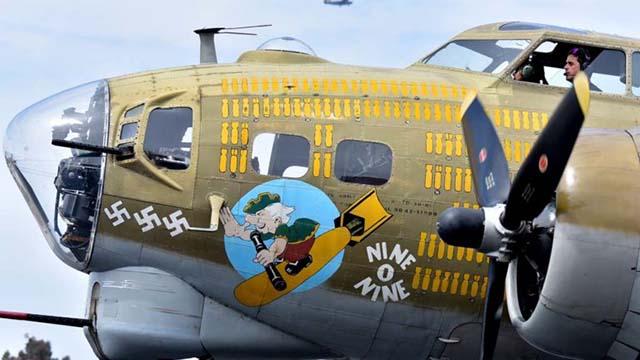 PERANG dunia ii B-17 Bomber Fatal Connecticut Kecelakaan Terbang ke Carlsbad, Ramona Mei