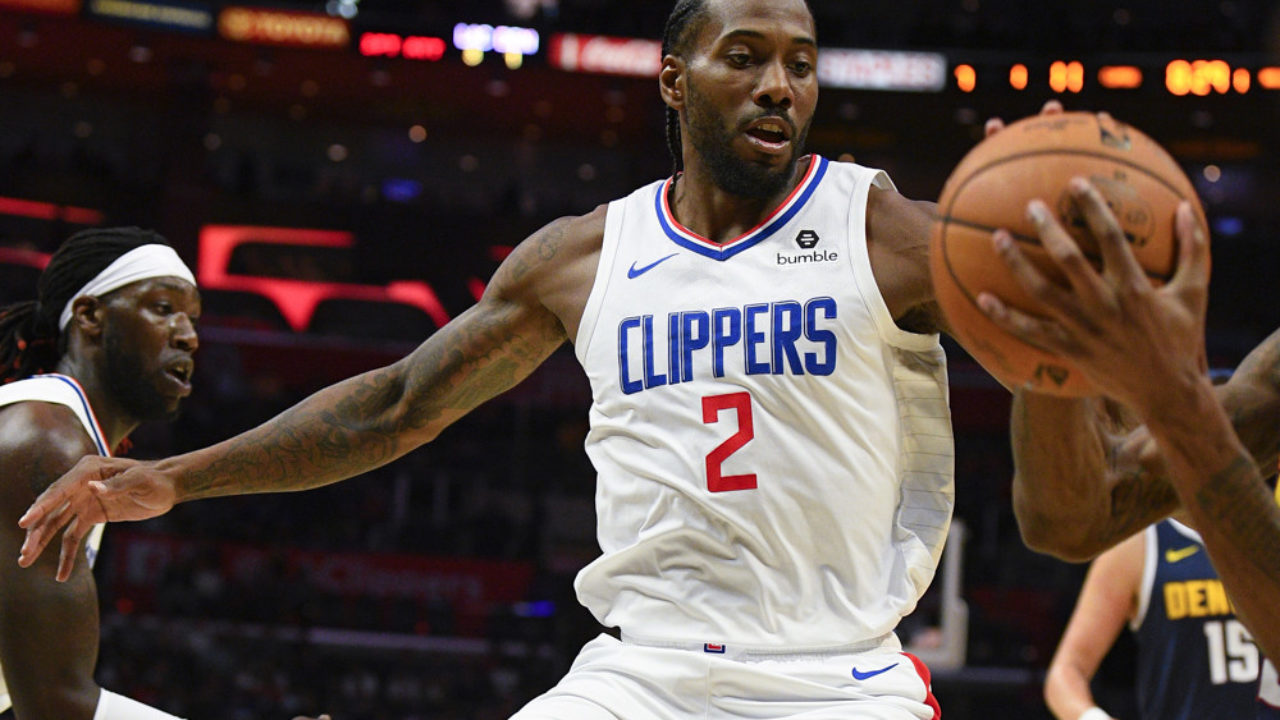 Former Aztec Kawhi Leonard Scores 30 In L A Debut As Clippers Beat Lakers 112 102 Times Of San Diego