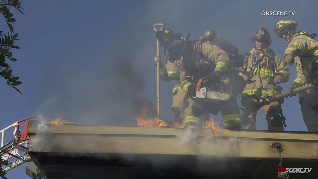 Feuer Möglicherweise Verursacht durch AC-Kräfte Evakuierung in Waldorf School San Diego