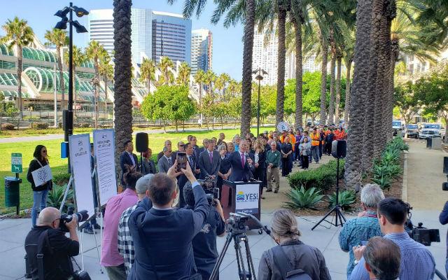 Kampanye Dimulai untuk Pajak Hotel untuk Membantu Tunawisma, Memperbaiki jalan-Jalan, Memperluas Convention Center