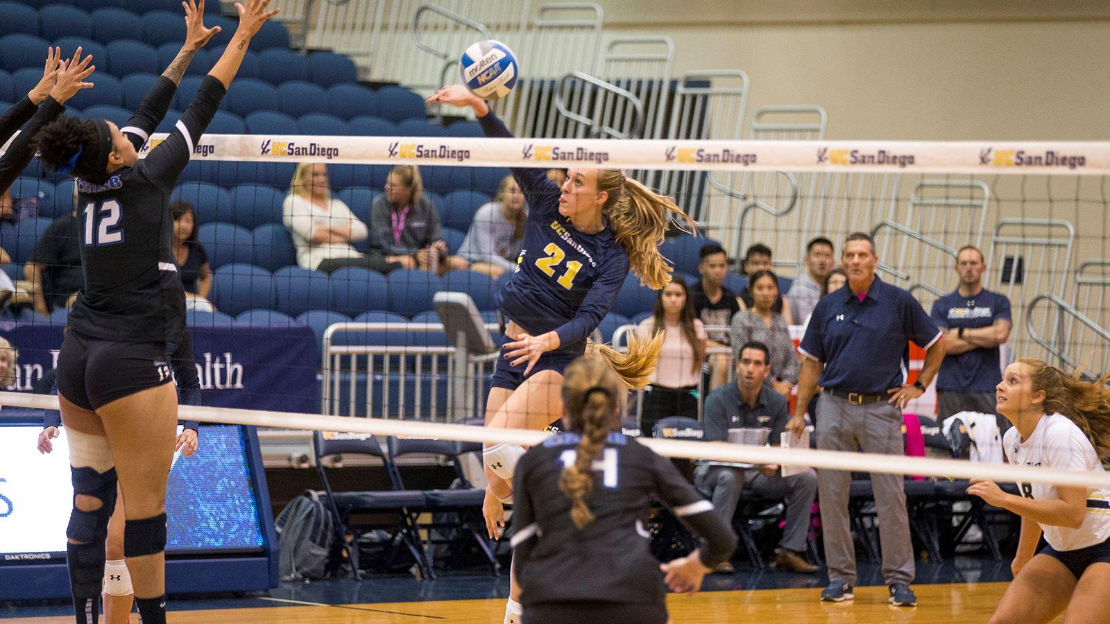 UCSD Frauen Volleyball-Dauert 5 Samen in der Region West-Turnier, Spielen, Alaska Anchorage