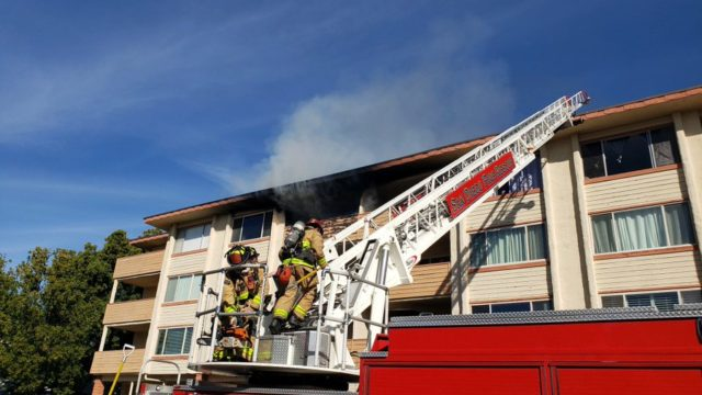 San Carlos apartment fire