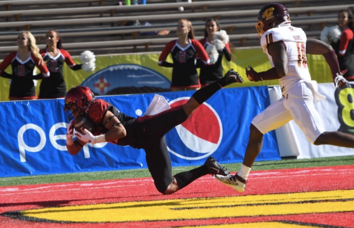 San Diego State Cruises, Quetschungen Central Michigan in New Mexico Bowl, 48-11